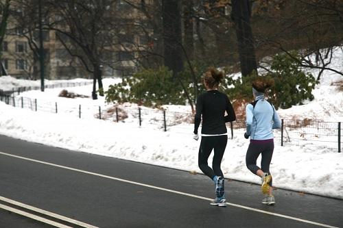 bien s'échauffer pour courir dans le froid est important