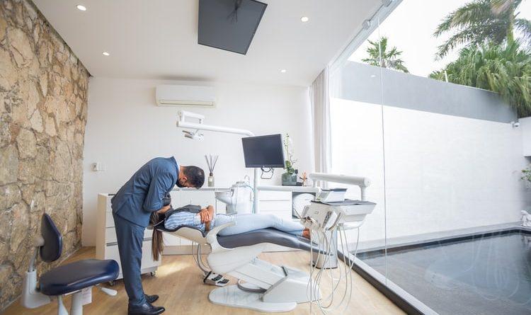 chirurgien dentaire hongrois agence de tourisme dentaire Hongrie