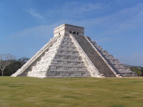 pyramide antique du Mexique