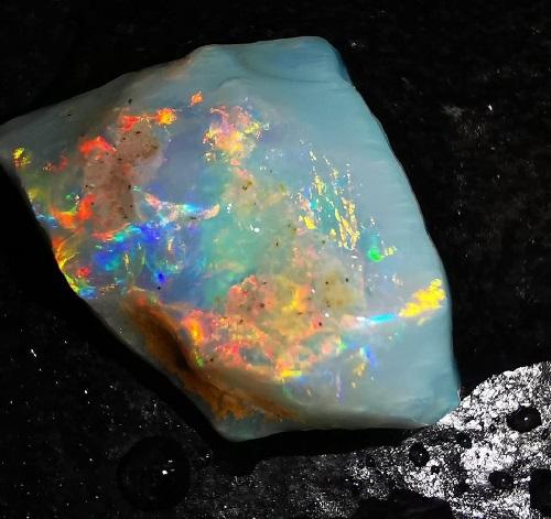 opale brute trouvé en ethiopie