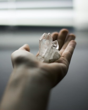 le cristal de quartz est la pierre la plus commune en lithothérapie