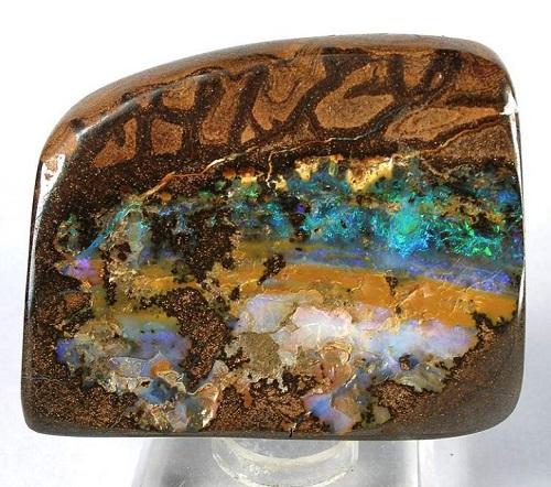 l'opale boulder est l'opale la plus populaire en Australie et très recherché des collectionneurs