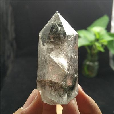 le quartz fantôme est une minéral rare